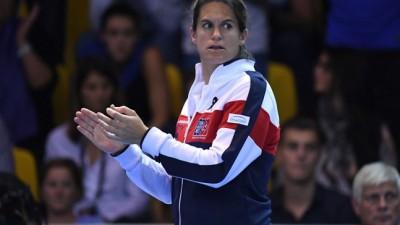 Mauresmo, enceinte, arrête l'équipe de France