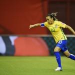 Marta a remporté le championnat de Suède à cinq reprises.