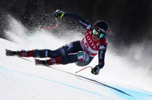 Sofia Goggia : après le titre olympique, elle s'offre la Coupe du monde de descente !