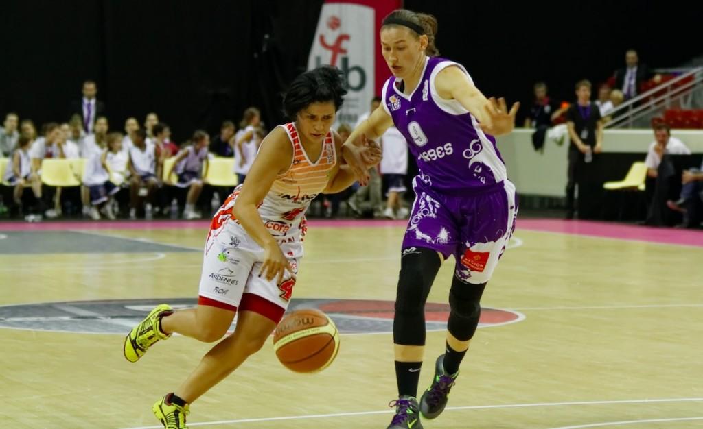 Amel Bouderra prolongée à Charleville-Mézières jusqu'en 2020