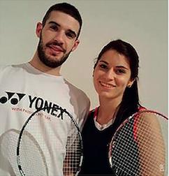 Guillaume et Papatya sont un couple de badistes. Mais ils évitent de jouer en mixte car c'est source de disputes !