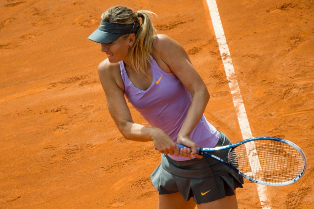 Sharapova pas invitée à Roland-Garros: elle promet de «s'en relever»