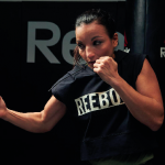 Immense championne de boxe, Sarah Ourahmoune est aussi une femme d'affaires et une marraine au grand coeur. (c) Reebok.