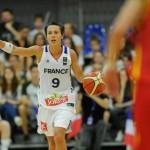 Céline Dumerc est la joueuse la plus capée de l'histoire de l'équipe de France.