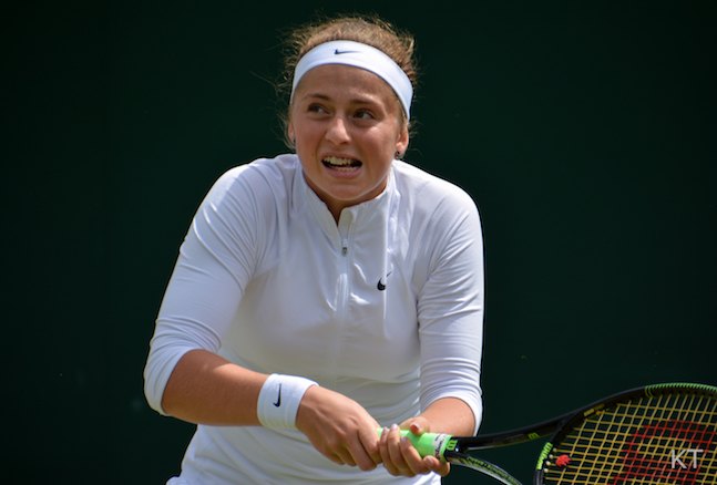 Wimbledon: Ostapenko se fait peur mais passe