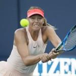 Maria Sharapova s'est arrêtée en huitièmes de finale pour son retour en Grand Chelem après sa suspension de quinze mois.