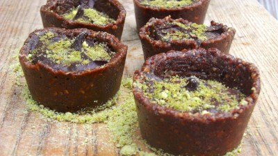 Superfood : recette de tartelette crue chocolat avocat