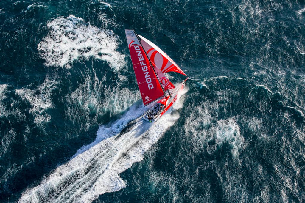 Volvo Ocean Race, embarquement immédiat avec Marie Riou et Carolijn Brouwer