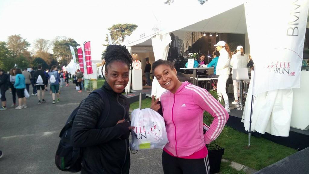 Gévrise Émane et Kadhija , agent et amie de longue date, se sont mobilisées pour la lutte contre les maladies cardio-vasculaires chez la femme à la Elle Run New Balance dimanche 15 octobre à Paris.