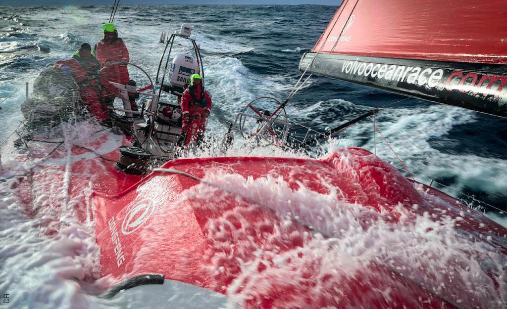 Une course telle que la Volvo Ocean Race est extrêmement exigeante physiquement et mentalement. Pourtant, à chaque fois, la passion est trop forte : les marins y retournent !