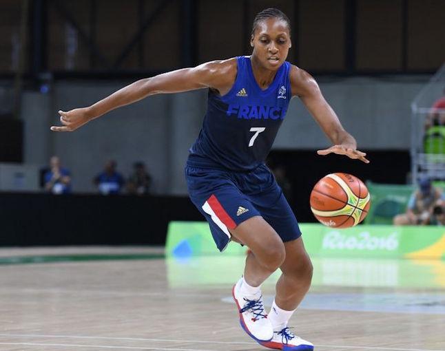 Les basketteuses françaises enchaînent face à la Roumanie