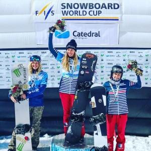Premier podium de la saison 2017-2018 pour Chloé Trespeuch et doublé avec sa partenaire Nelly Moenne-Loccoz, 3e. © Instagram @chloetrespeuch