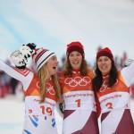 La Suissesse Michelle Gisin s'est imposée devant la grandissime favorite américaine Mikaela Shiffrin pour décrocher le premier titre olympique de sa carrière.
