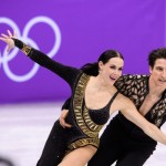 Les champions du monde en titre de danse sur glace Tessa Virtue et Scott Moir (ci-dessus) ont largement contribué à la victoire du Canada dans l'épreuve par équipes.