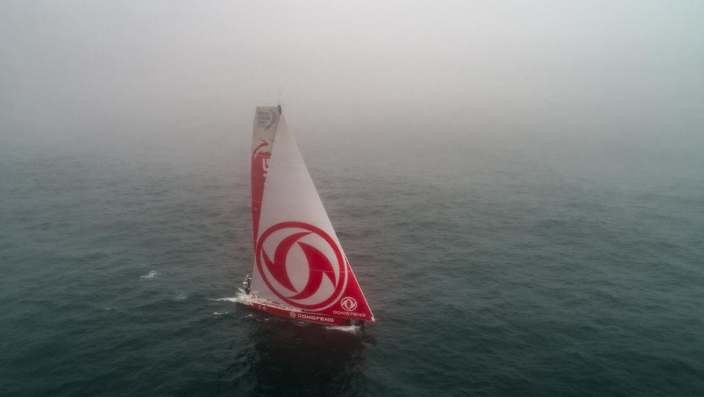 À bord de Dongfeng : quatrième dans le brouillard à Newport