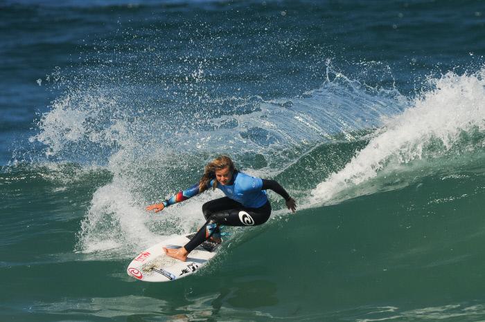 Egalité hommes-femmes des primes sur le circuit mondial de surf en 2019