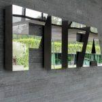 La FIFA lance la première stratégie de développement du football féminin. Objectifs : atteindre les 60 millions de pratiquantes et féminiser les instances.