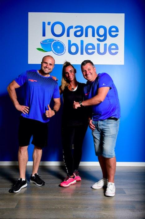 Women Sports a réuni pour vous Nathalie Fernandez et les coachs sportifs de L'Orange Bleue, leader du fitness en France. Ensemble, ils vous ont concocté un petit mode d'emploi sur-mesure spécial «musculation sur machines».