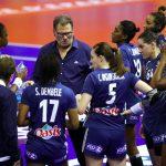 Oliver Krumbholz, sélectionneur de l'équipe de France de handball, a dévoilé la liste des 16 joueuses Françaises qui débuteront l'EHF Euro 2018 face jeudi.