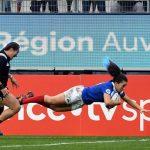 L'équipe de France féminine de rugby XV a réalisé une énorme performance en battant pour la première fois officiellement la Nouvelle-Zélande samedi (30-27).