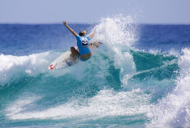 Stephanie Gilmore, reine du surf féminin (encore !)