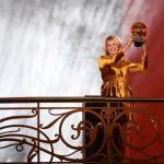 La Norvégienne Ada Hegerberg, 23 ans, attaquante de l'Olympique lyonnais, a remporté le premier Ballon d'Or France Football féminin de l'histoire.