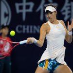 Les tenniswomen françaises Caroline Garcia et Kristina Mladenovic ont été battues dès leur entrée en lice, respectivement à Shenzhen et Brisbane.