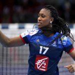 La capitaine de l'équipe de France féminine de handball championne du monde et d'Europe en titre, Siraba Dembélé, attend un heureux événement.