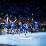 14.060 spectateurs étaient présents à l'AccorHotels Arena dimanche pour soutenir les Bleues, ce qui constitue la plus belle affluence pour un match de Championnat d'Europe féminin. © Uros Hocevar / kolektiff.