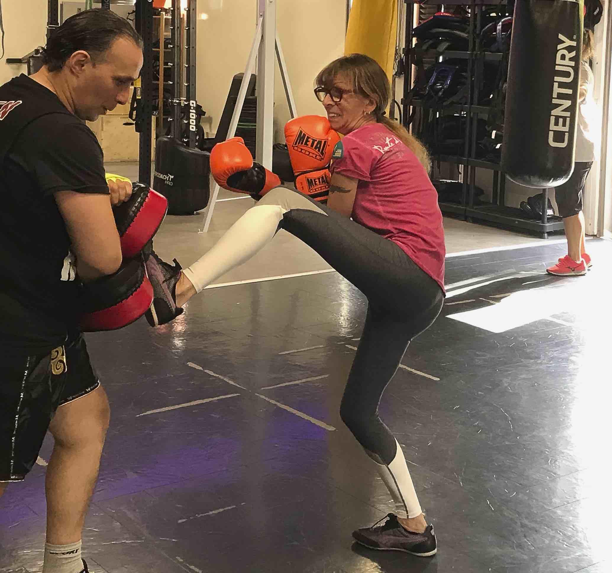 Ghyslaine n'avait jamais fait de sport de sa vie avant de s'inscrire aux cours de sweat boxing de Nourdine. Photo DR/.