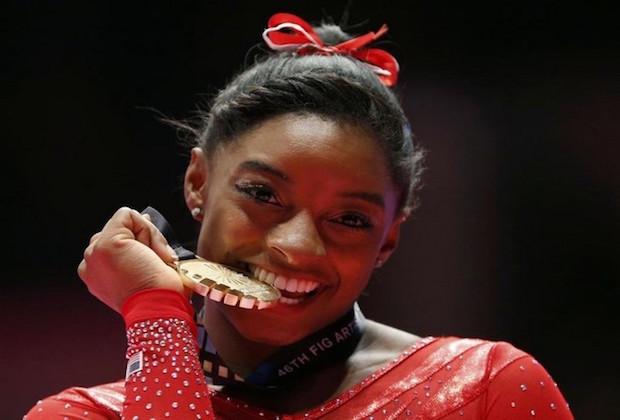 Simone Biles élue «Championne des Championnes» monde par L'Équipe