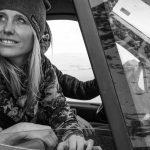 La championne de snowboard freeride Anne-Flore Marxer présente son premier film documentaire qui mêle images de glisse et histoire du féminisme islandais.