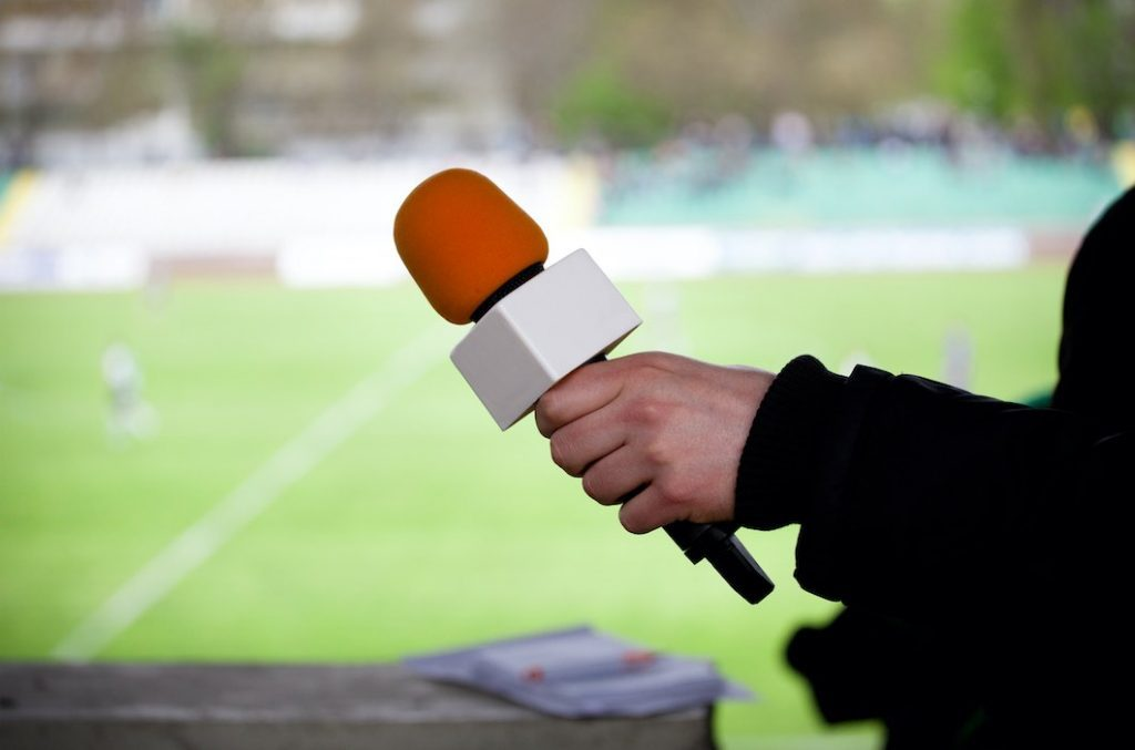 Le journalisme sportif, un milieu fermé aux femmes ?