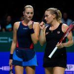 La Française Kristina Mladenovic et sa partenaire hongroise Timea Babos se sont inclinées en finale du double dames de l'Open d'Australie vendredi à Melbourne.