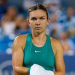 Simona Halep (N.1), s'est inclinée 6-4, 6-4 face à l'Australienne Barty au tournoi WTA de Sydney, où elle faisait son retour après trois mois d'absence.