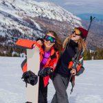 Ski ou snowboard ? C'est l'éternelle question. Chaque hiver, vous êtes des milliers à hésiter dans ces deux sports de glisse. Quelques astuces pour choisir.