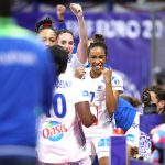 Les handballeuses françaises Estelle Nze-Minko et Béatrice Edwige rejoignent Amandine Leynaud au club hongrois de Györ, double champion d'Europe en titre.