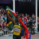 Caster Semenya reçoit des soutiens scientifiques dans le litige qui l'oppose à la Fédération internationale d'athlétisme au sujet de l'hyperandrogénie.