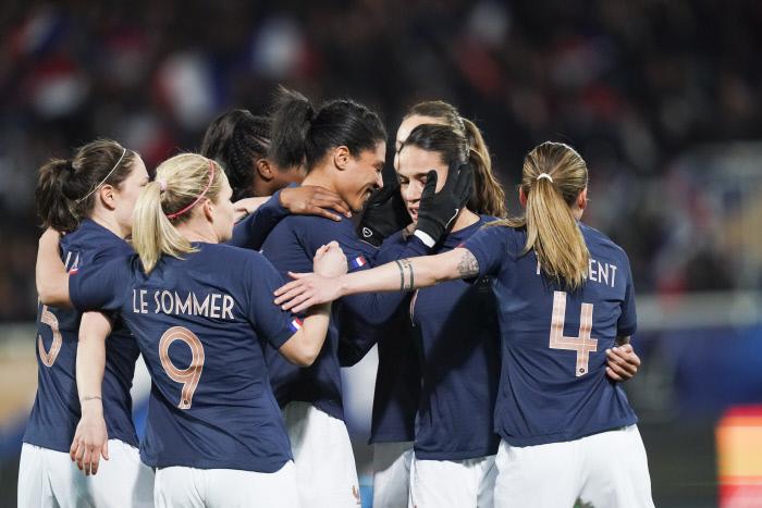 Les Bleues battent le Japon à deux mois de la Coupe du monde
