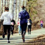 Afin de ne pas être à court d'énergie pendant sa séance de sport et de bien récupérer après, voici quelques petits conseils food donnés par des diététiciens