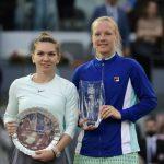 La Néerlandaise Kiki Bertens a remporté samedi le tournoi WTA de Madrid en battant en finale Simona Halep, ainsi privée d'un retour au rang de N.1 mondiale.
