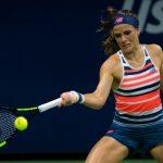 La joueuse de tennis américaine Nicole Gibbs, 116e, a annoncé souffrir d'un cancer des glandes salivaires à 26 ans. Elle ne participera pas à Roland-Garros.