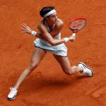 Déception pour le camp tricolore avec l'élimination de Caroline Garcia, battue au deuxième tour de Roland-Garros par la qualifiée Russe Anna Blinkova (117e).