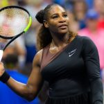 Serena Williams, en quête d'une 24e titre historique en Grand Chelem, a été battue au troisième tour de Roland-Garros samedi par l'Américaine Sofia Kenin.