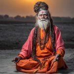 Dossier «Spécial Yoga, cet été on respire !». WOMEN SPORTS a enquêté sur les origines du yoga, de l'Inde dans l'Antiquité à l'Occident des temps modernes.