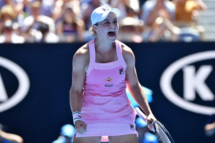 Wimbledon : sans difficulté, Barty passe au troisième tour