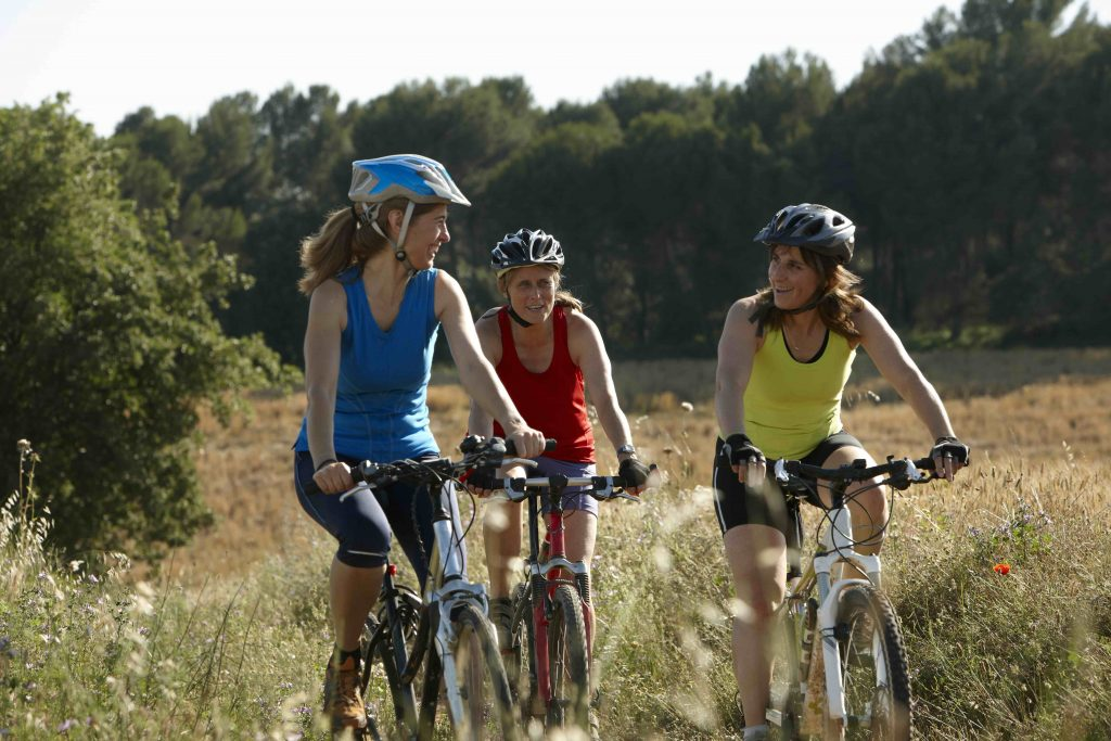 Faire du sport, c'est bien. Brûler des calories, c'est mieux ! Voici les activités sportives qui permettent de se dépenser un max en une heure de pratique.
