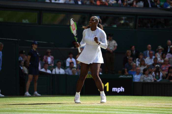 Wimbledon : Serena Williams se défait difficilement d'Alison Riske et se hisse en demi-finale