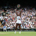Serena Williams s'est qualifiée pour la finale du tournoi de Wimbledon jeudi, à Londres, et tentera de remporter un 24e titre en Grand Chelem record samedi.