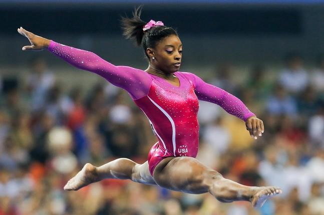 La gymnaste Simone Biles réalise une figure historique aux Championnats des États-Unis !